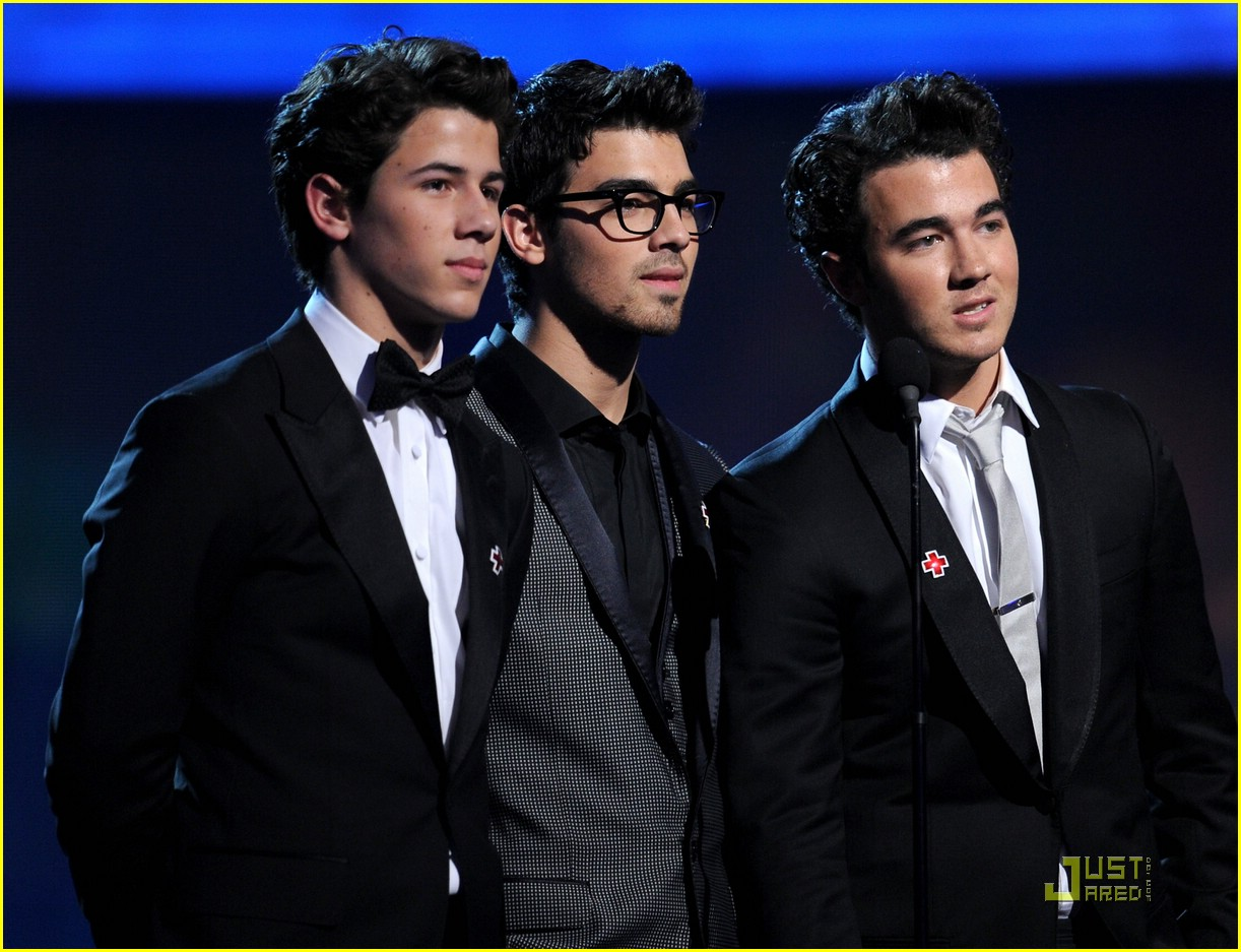 jonas brothers 2010 grammys 10