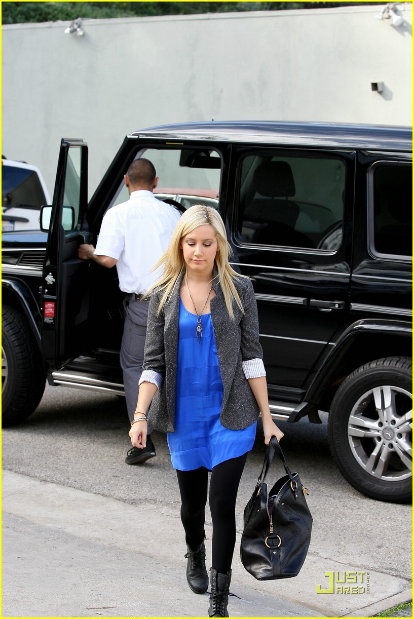 ashley tisdale boyfriend blazer 01