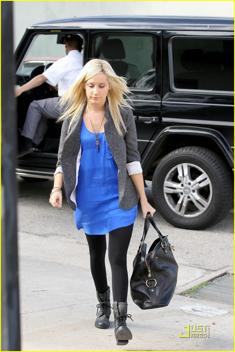 ashley tisdale boyfriend blazer 21