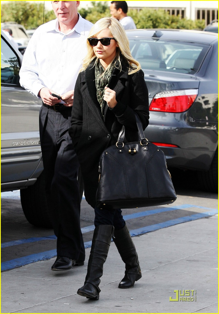 ashley tisdale mos meeting 01