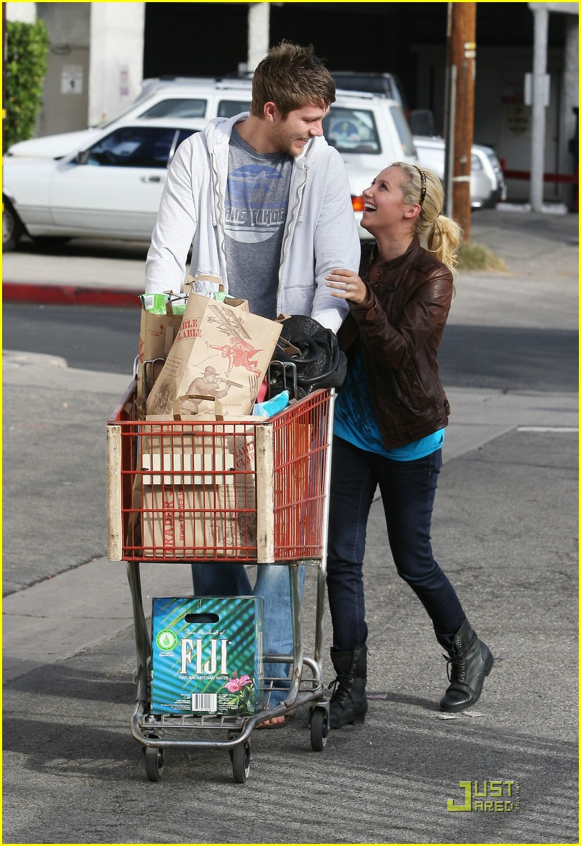 ashley tisdale scott speer trader joes 17