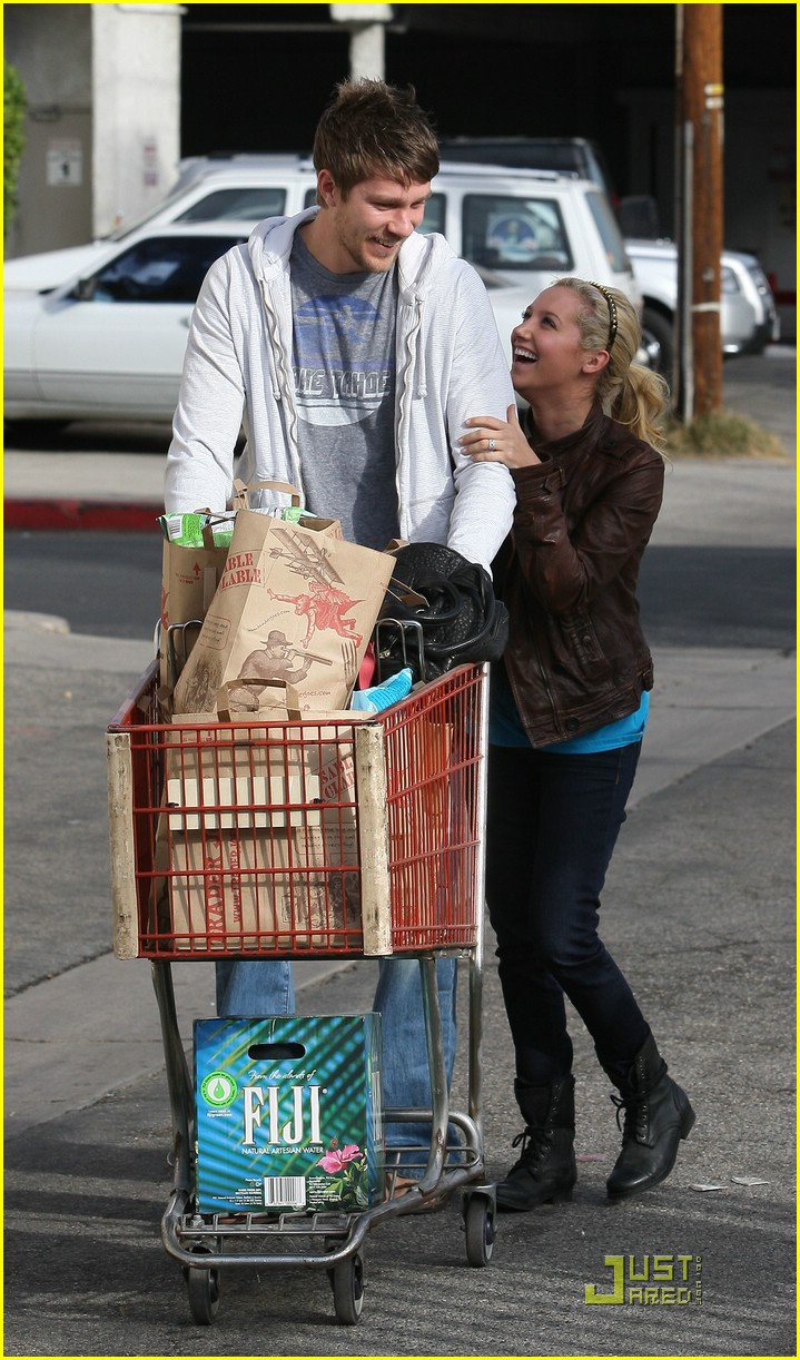 ashley tisdale scott speer trader joes 44