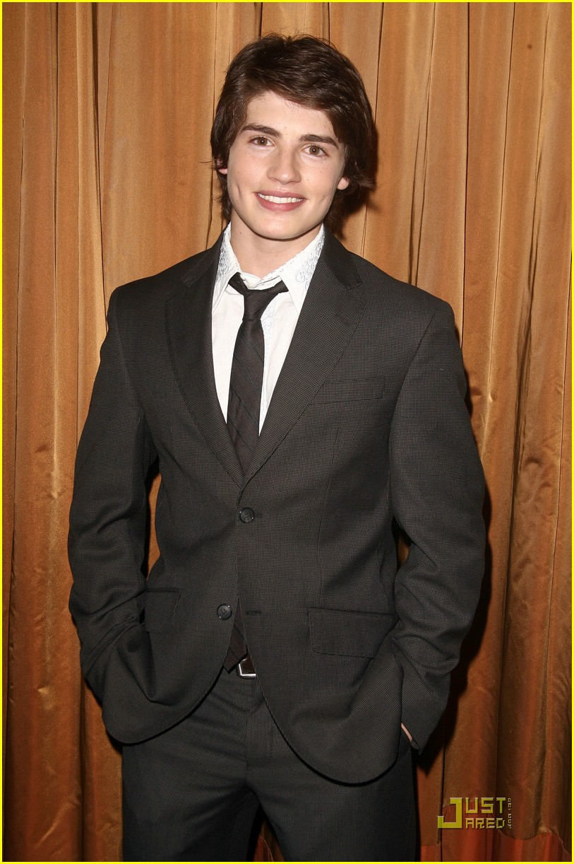 gregg sulkin build bear 01