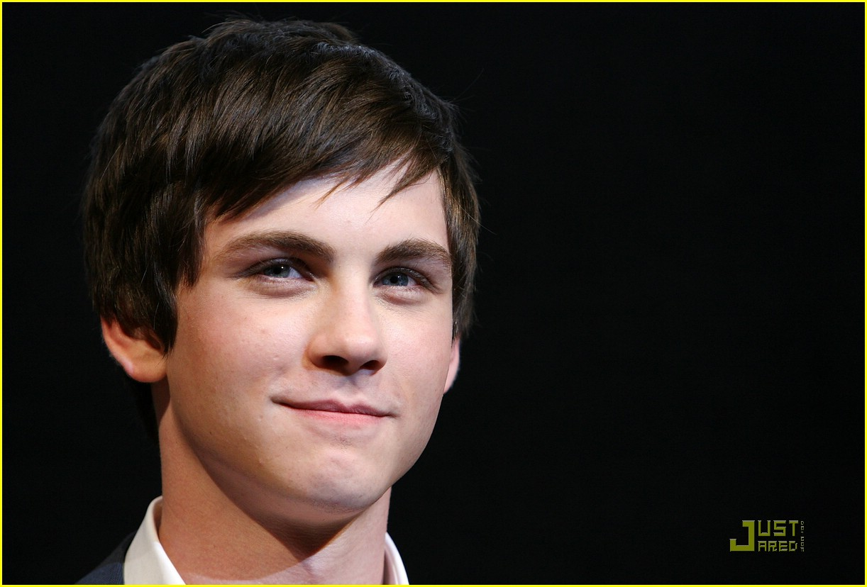 logan lerman percy tokyo 04