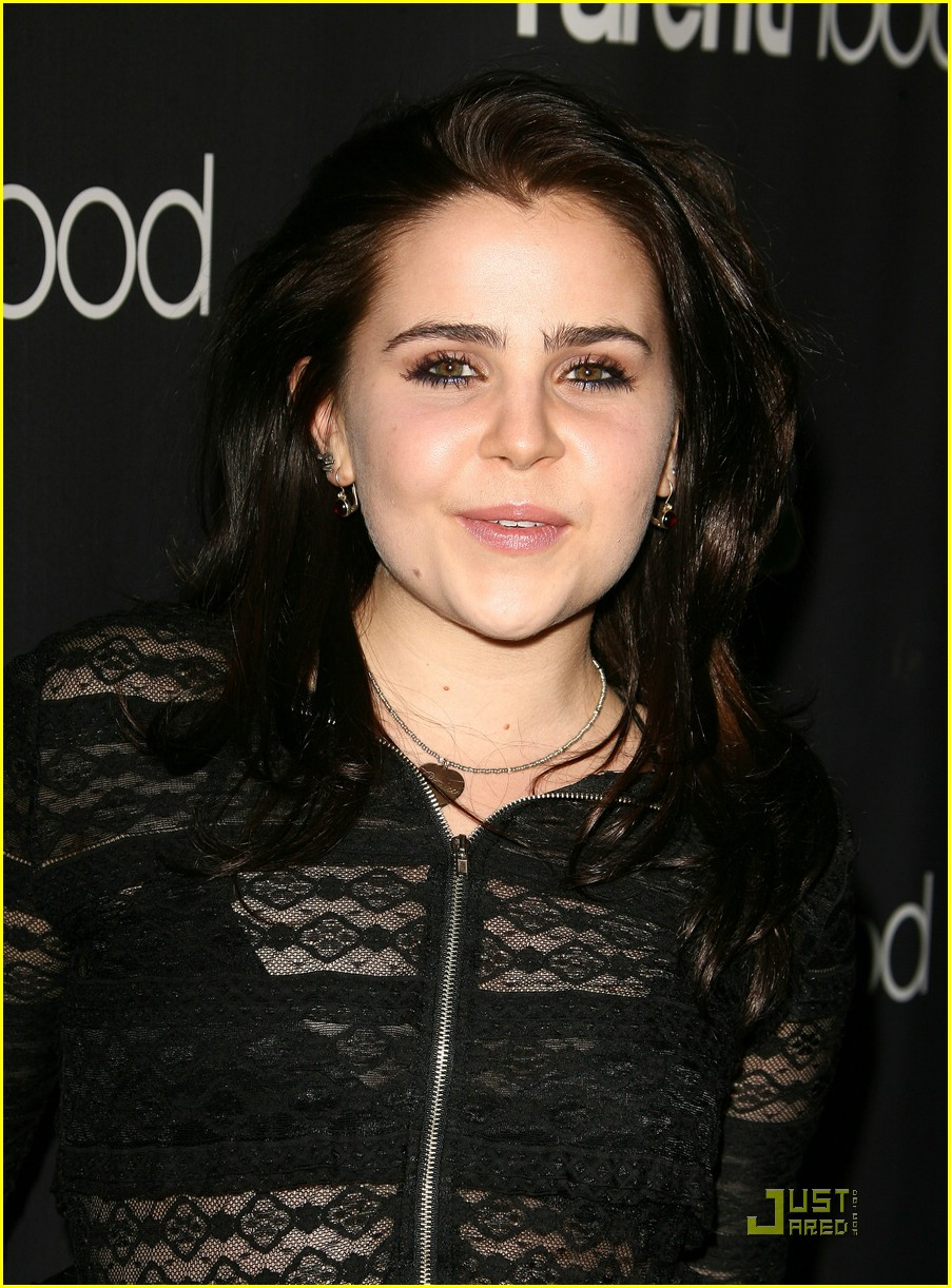 mae whitman parenthood premiere 08