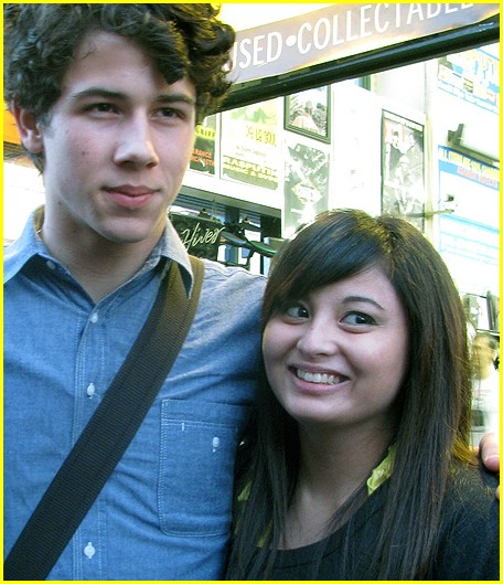 nick jonas berkley genuine fans 03