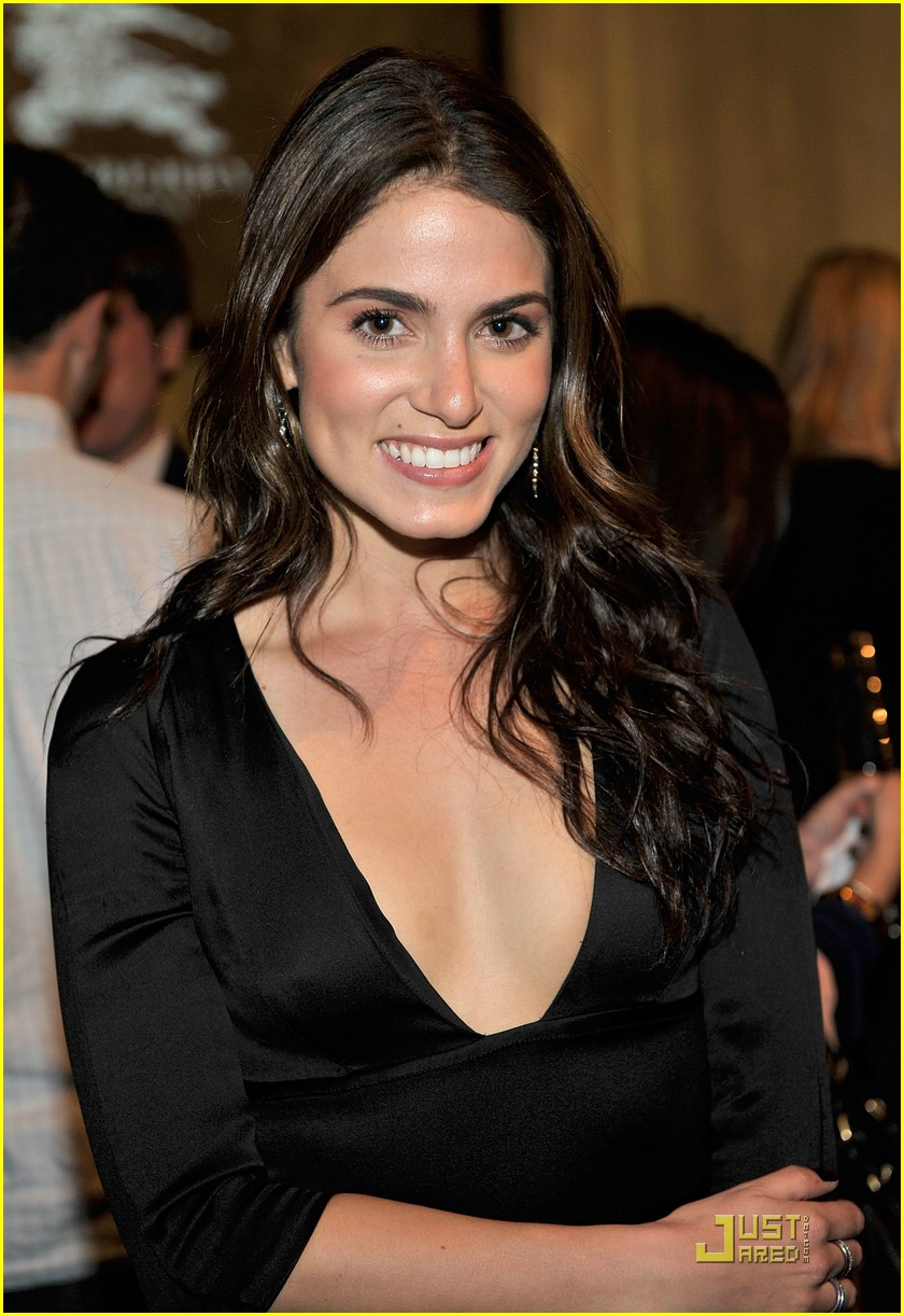 nikki reed burberry beauty 02