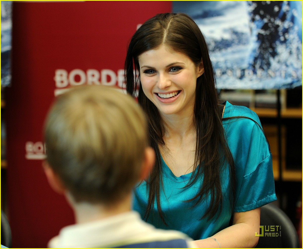 logan lerman alexandra daddario borders kips day 11