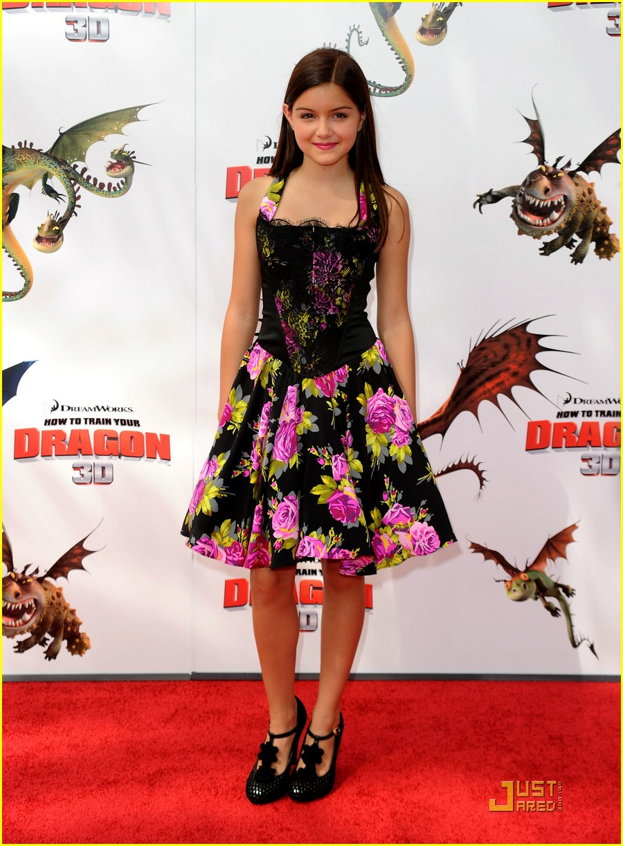 ariel winter peace necklace 04