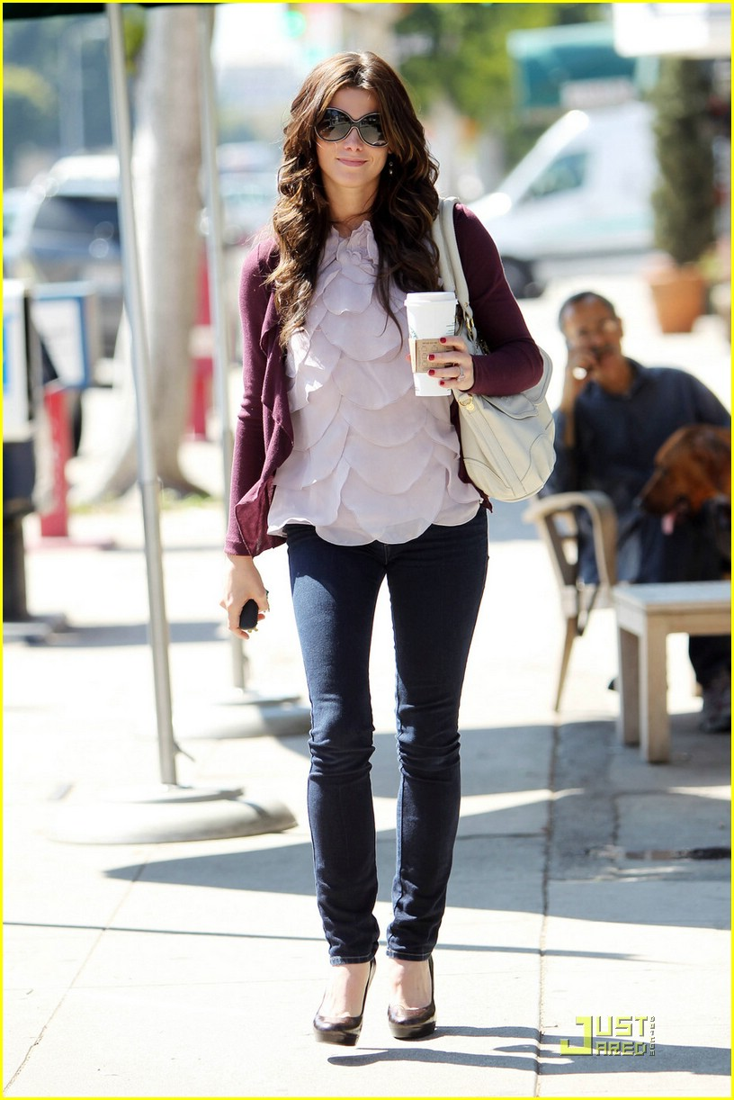ashley greene starbucks study 04