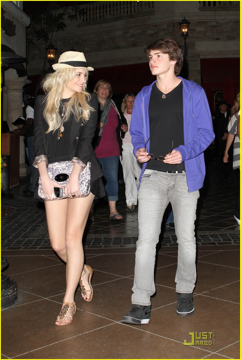 gregg sulkin pixie lott cheesecake factory 11