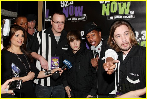 justin bieber bowling party 02