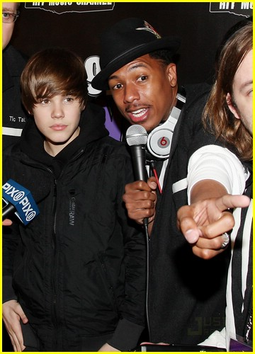 justin bieber bowling party 08