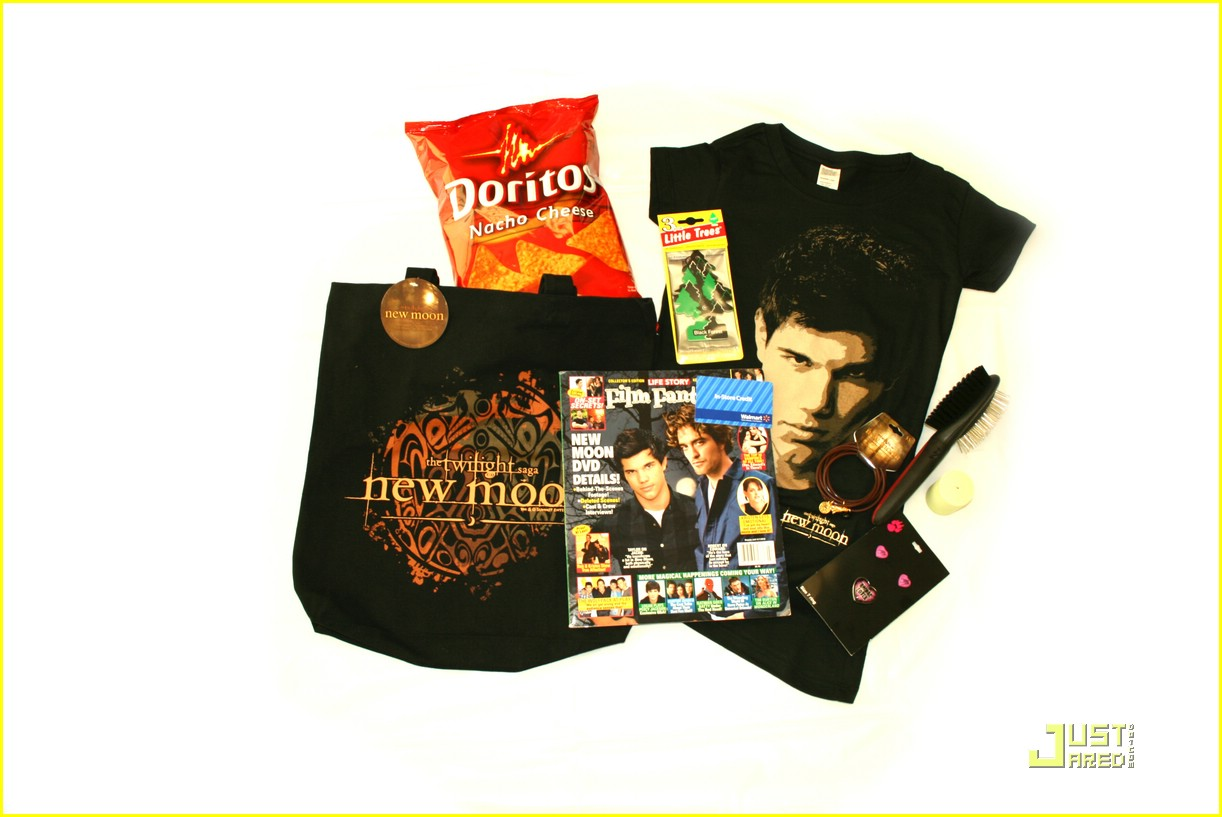 win new moon prize packs 02