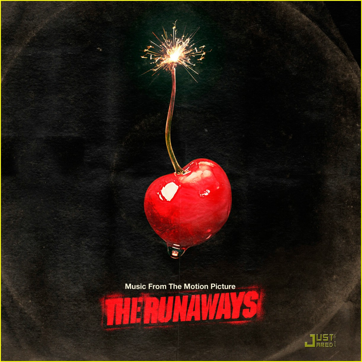 win runaways prize pack 02
