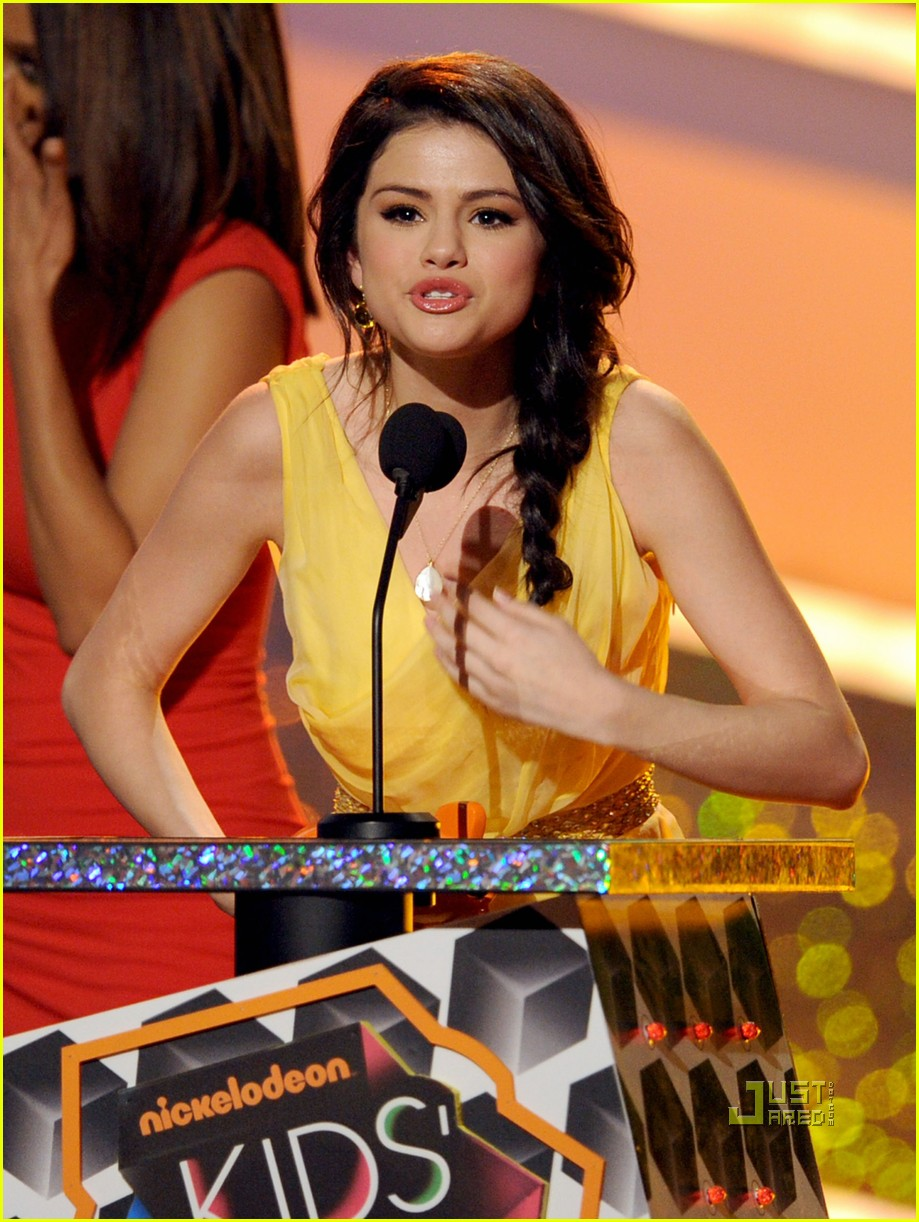 selena gomez in n out kca celebration 03