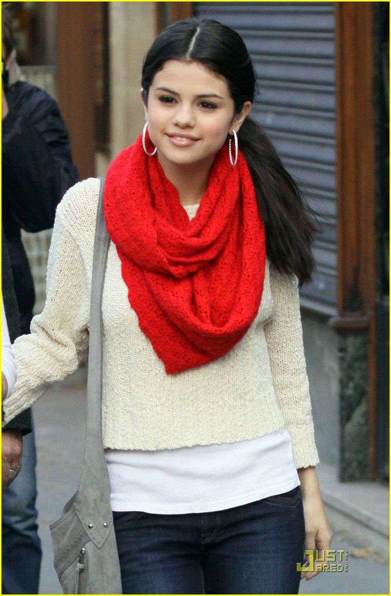 Selena Gomez Launches Official Site! | Photo 364741 - Photo Gallery | Just Jared Jr.