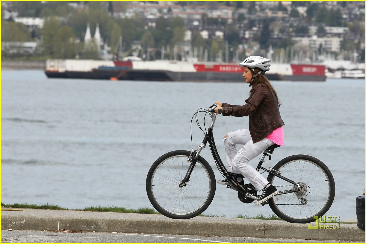 ashley tisdale scott speer biking 07