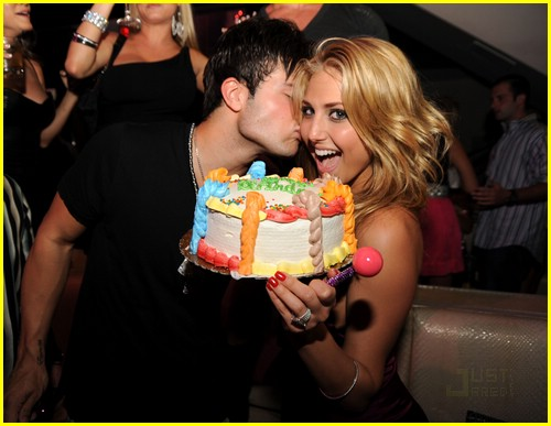 cassie scerbo birthday bash 07
