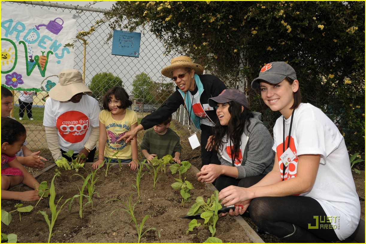 daniella monet create good gardening 08