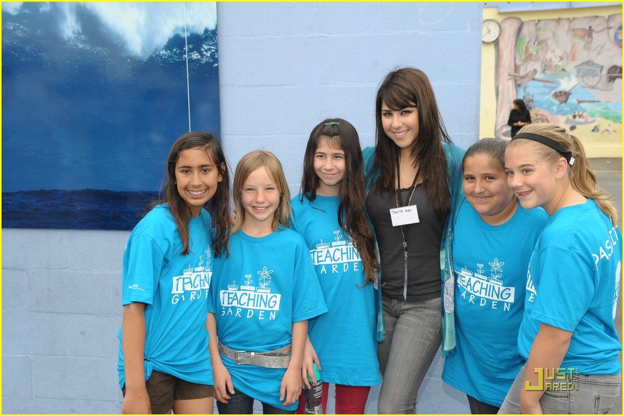 daniella monet create good gardening 11