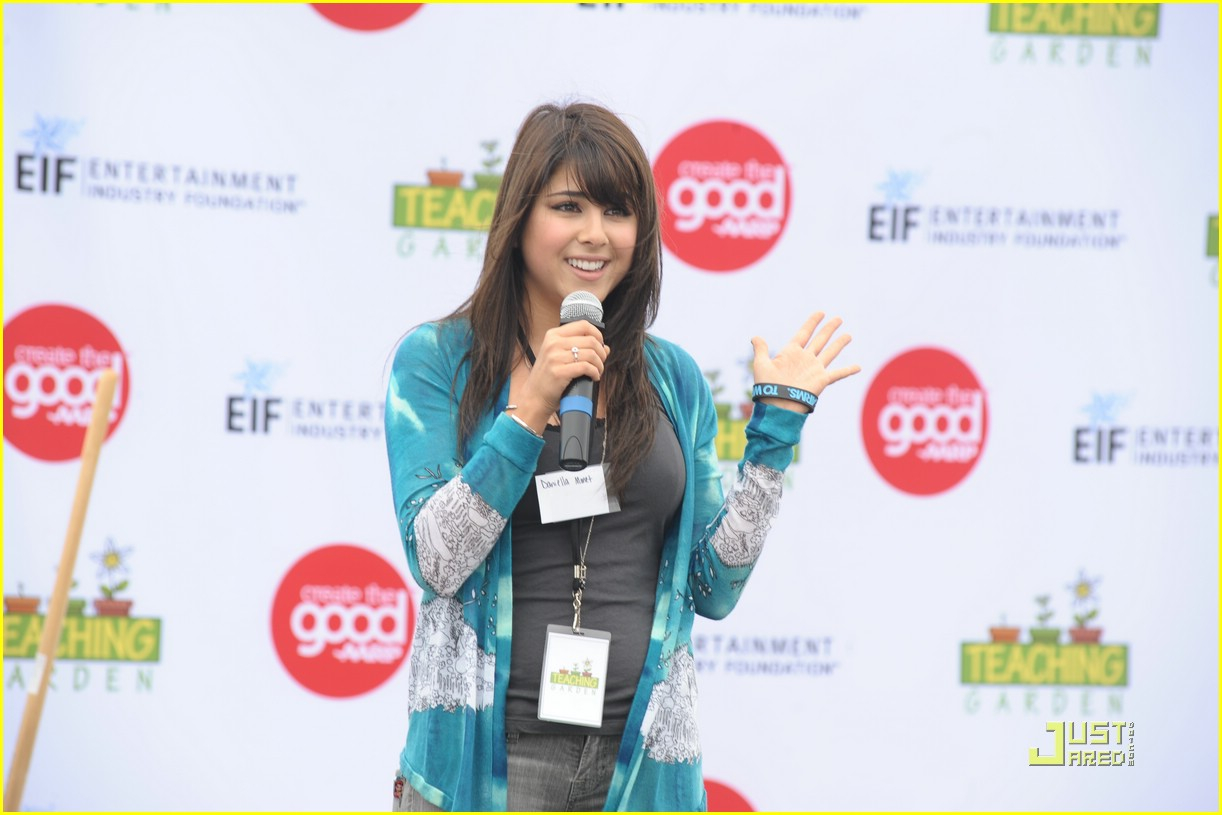 daniella monet create good gardening 21