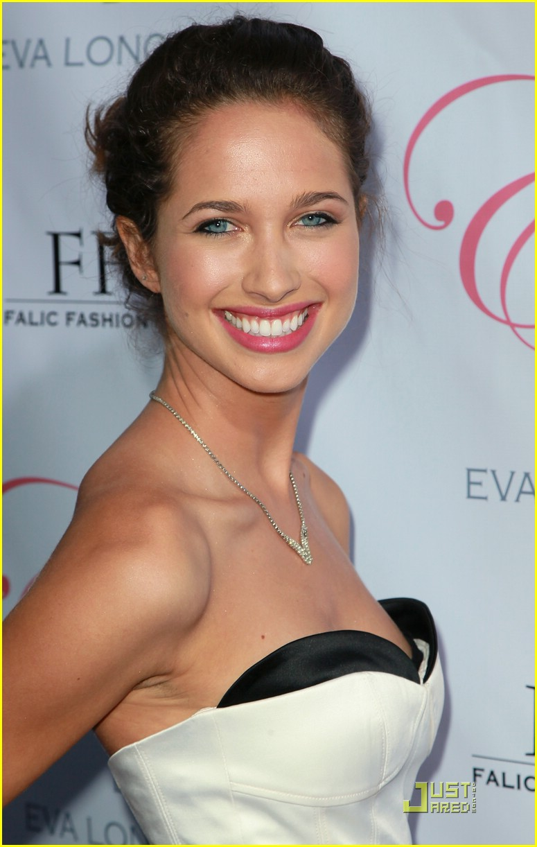 maiara walsh eva launch 04