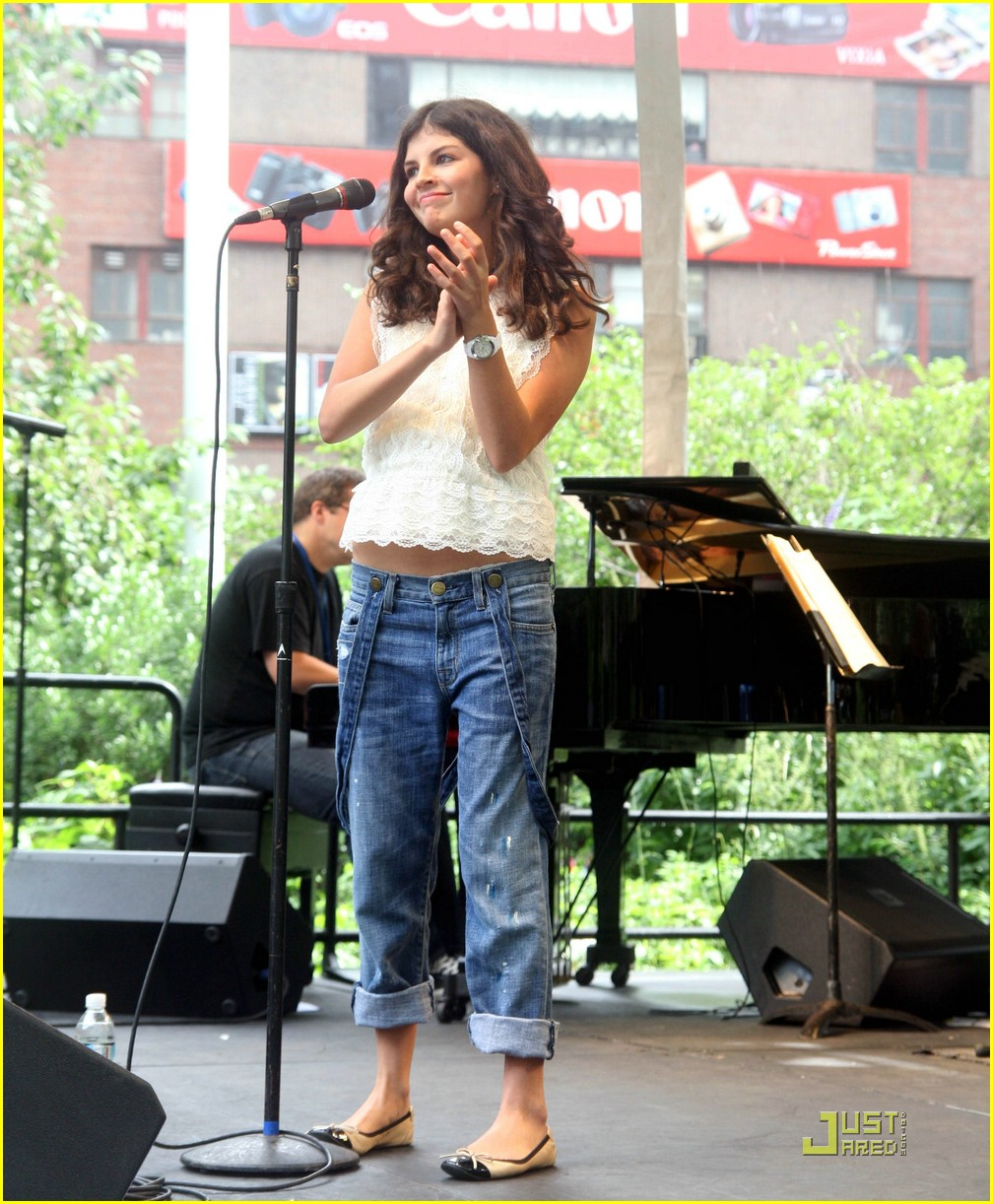 nikki yanofsky debut album 07