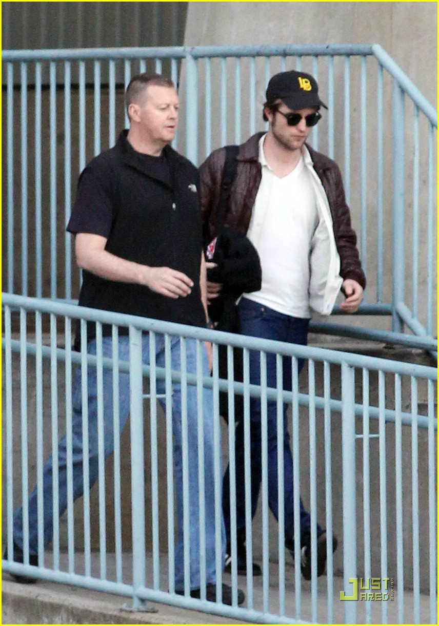 robert pattinson reshoot ready 01