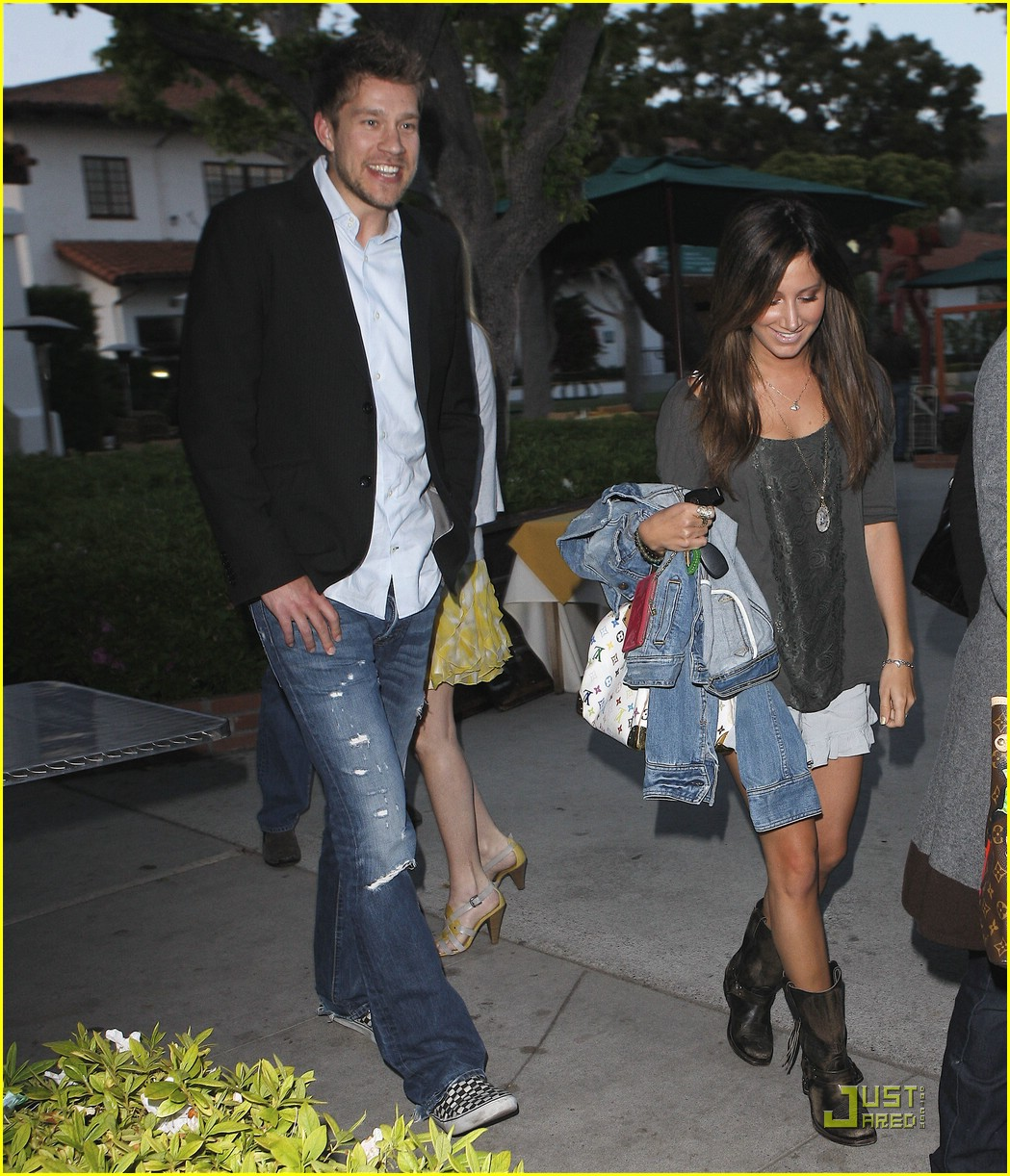 ashley tisdale mothers day 03