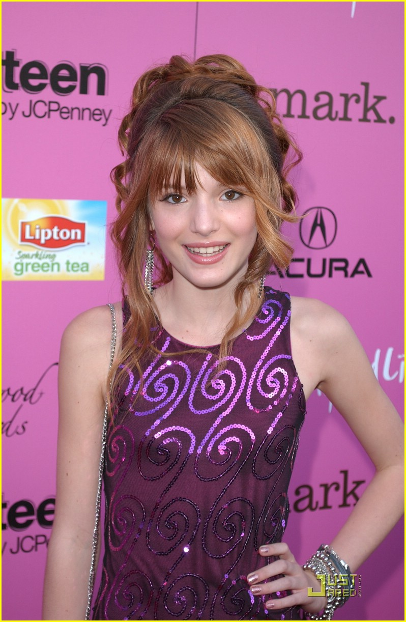 bella thorne shakes up 15