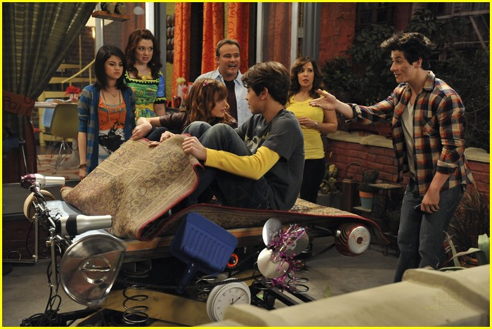 bella thorne wizards place 01