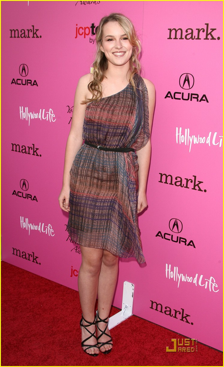bridgit mendler yh awards 01