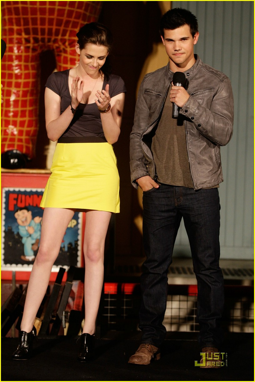kristen stewart taylor lautner luna park 06
