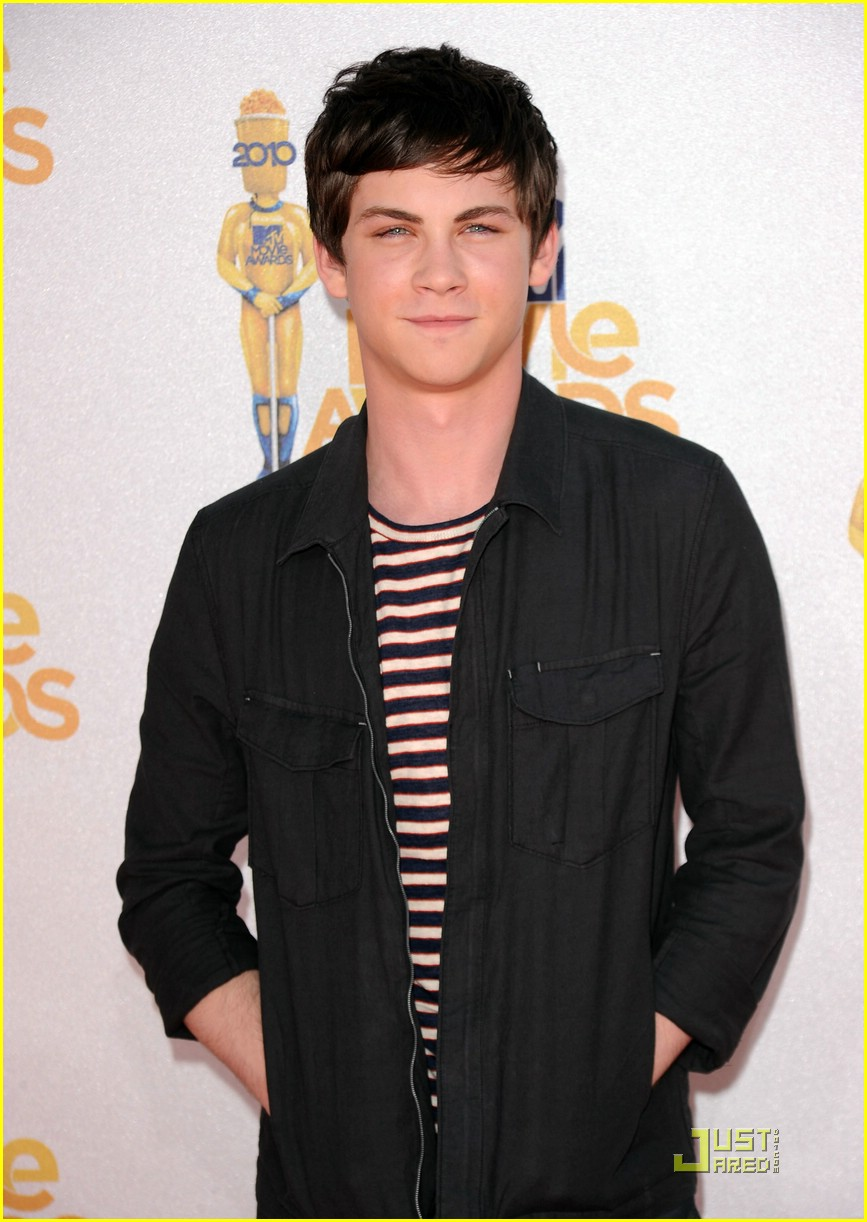logan lerman alexandra daddrio mtv awards 04