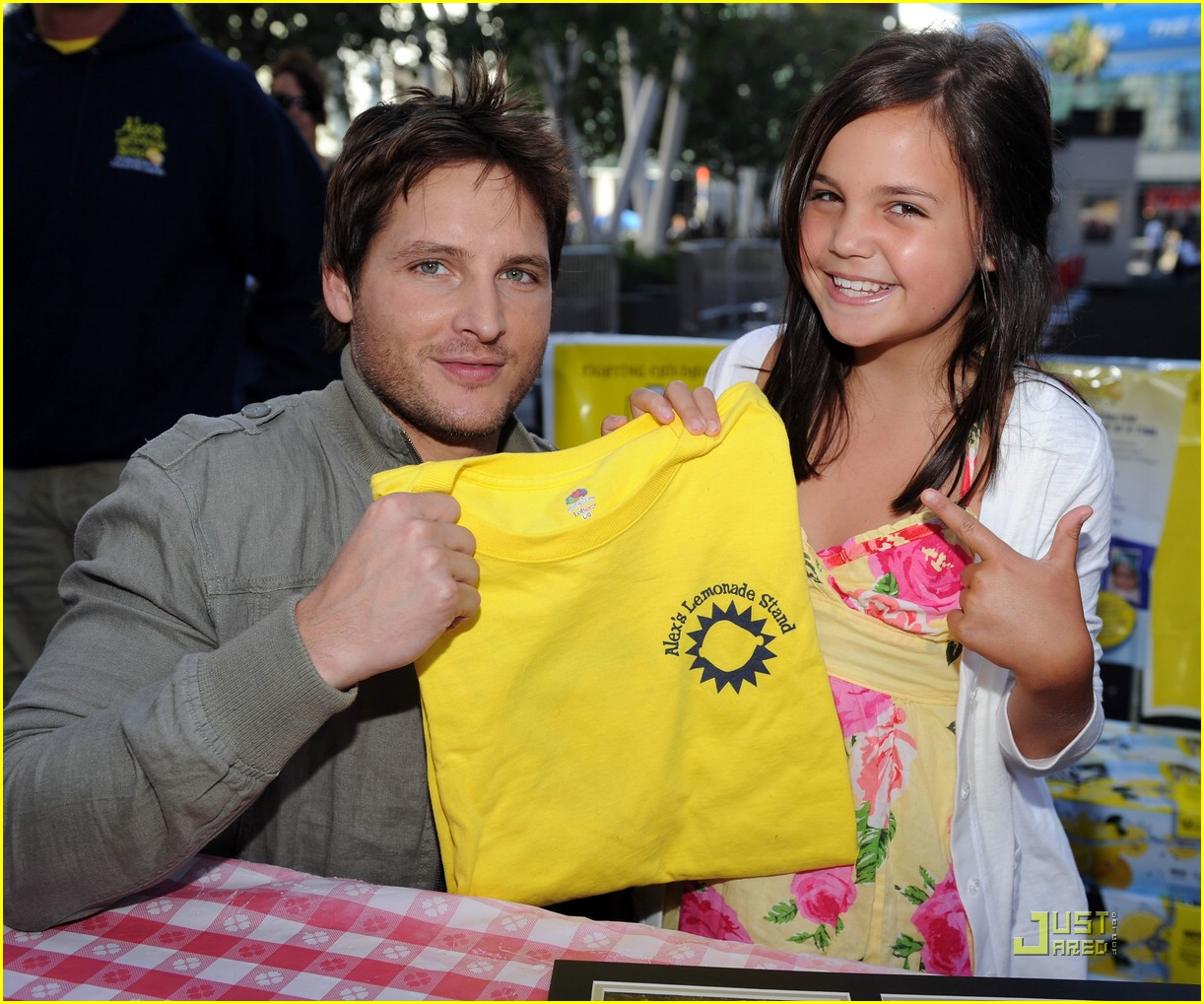 bailee madison peter facinelli lemonade 04