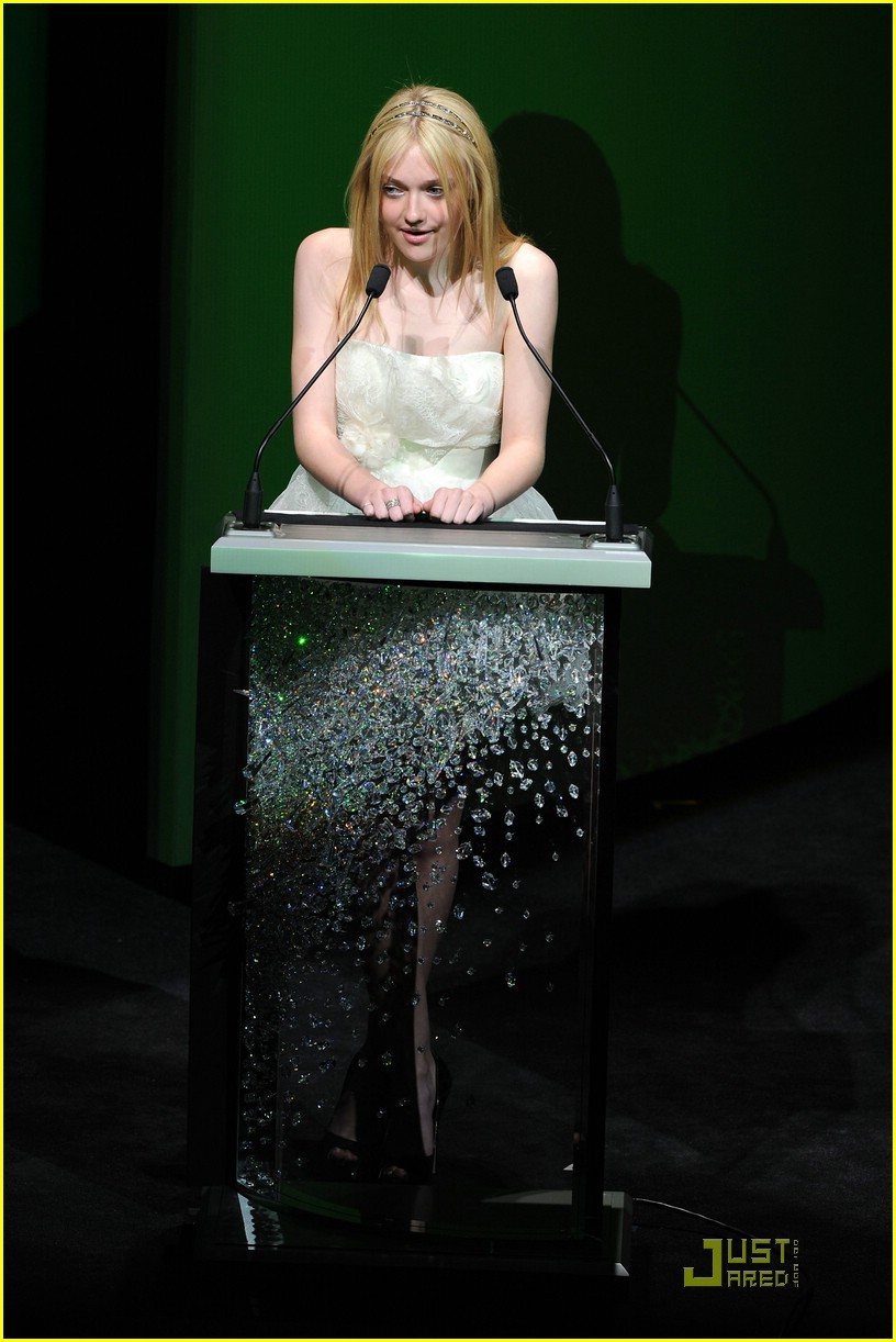 dakota fanning cfda awards 08