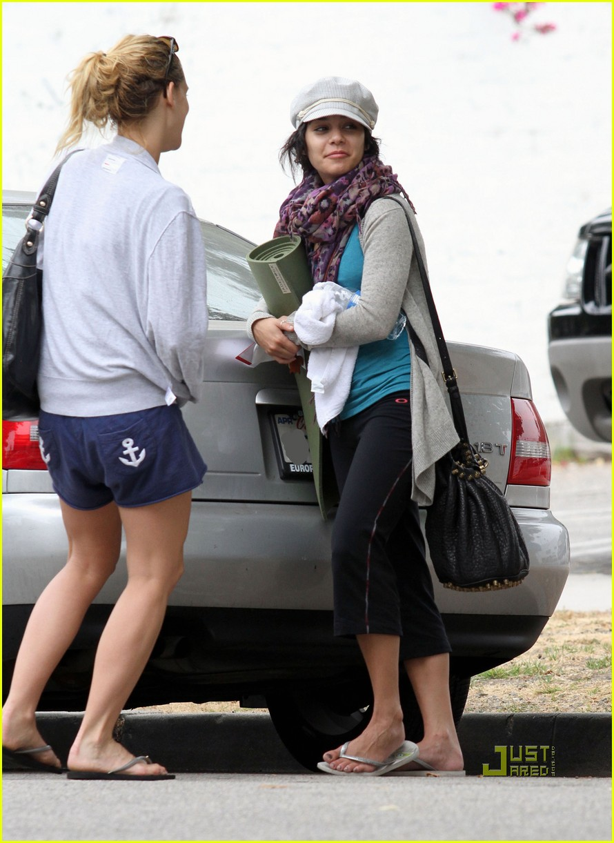 vanessa hudgens yoga ticket 03