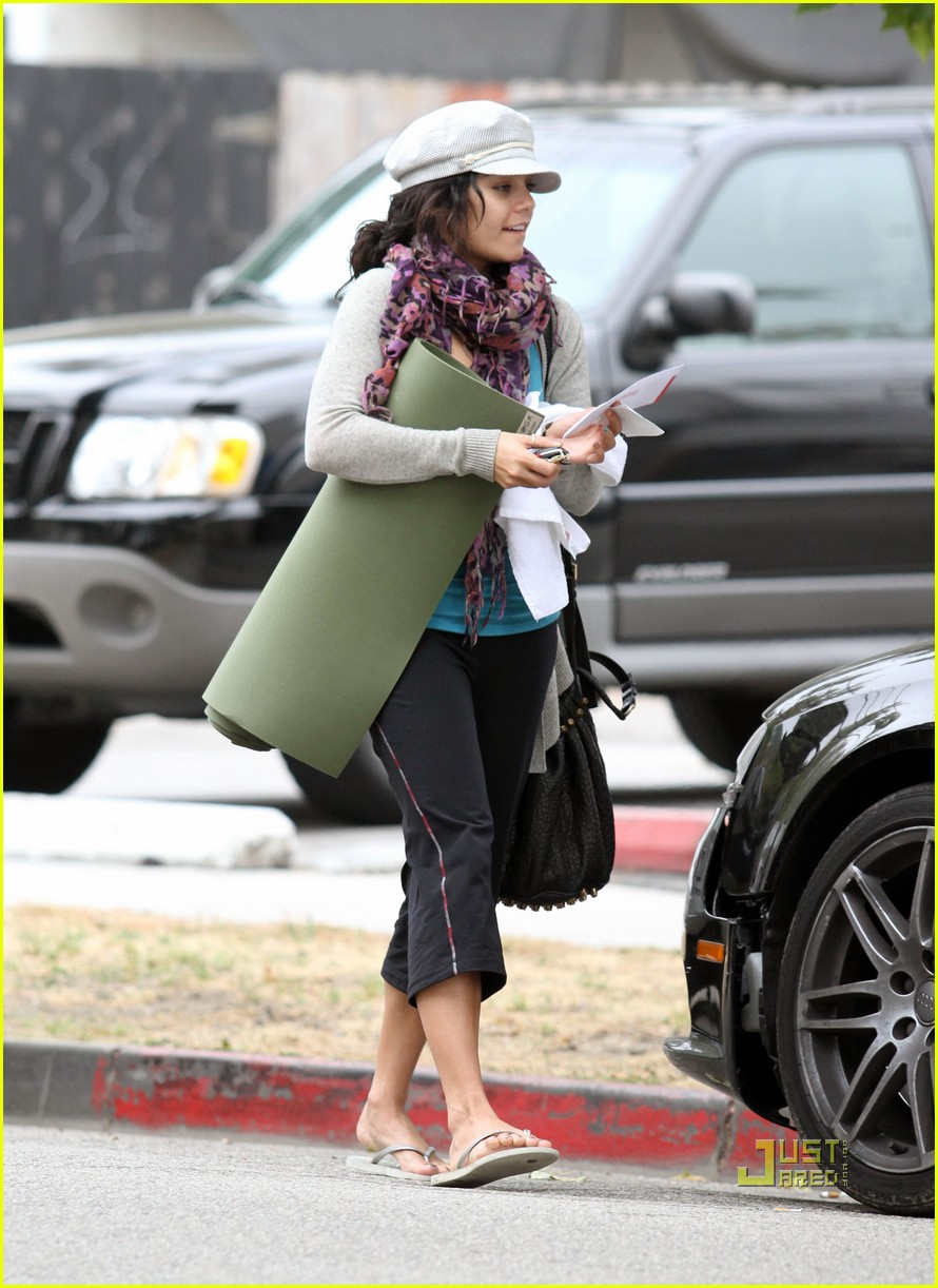 vanessa hudgens yoga ticket 07