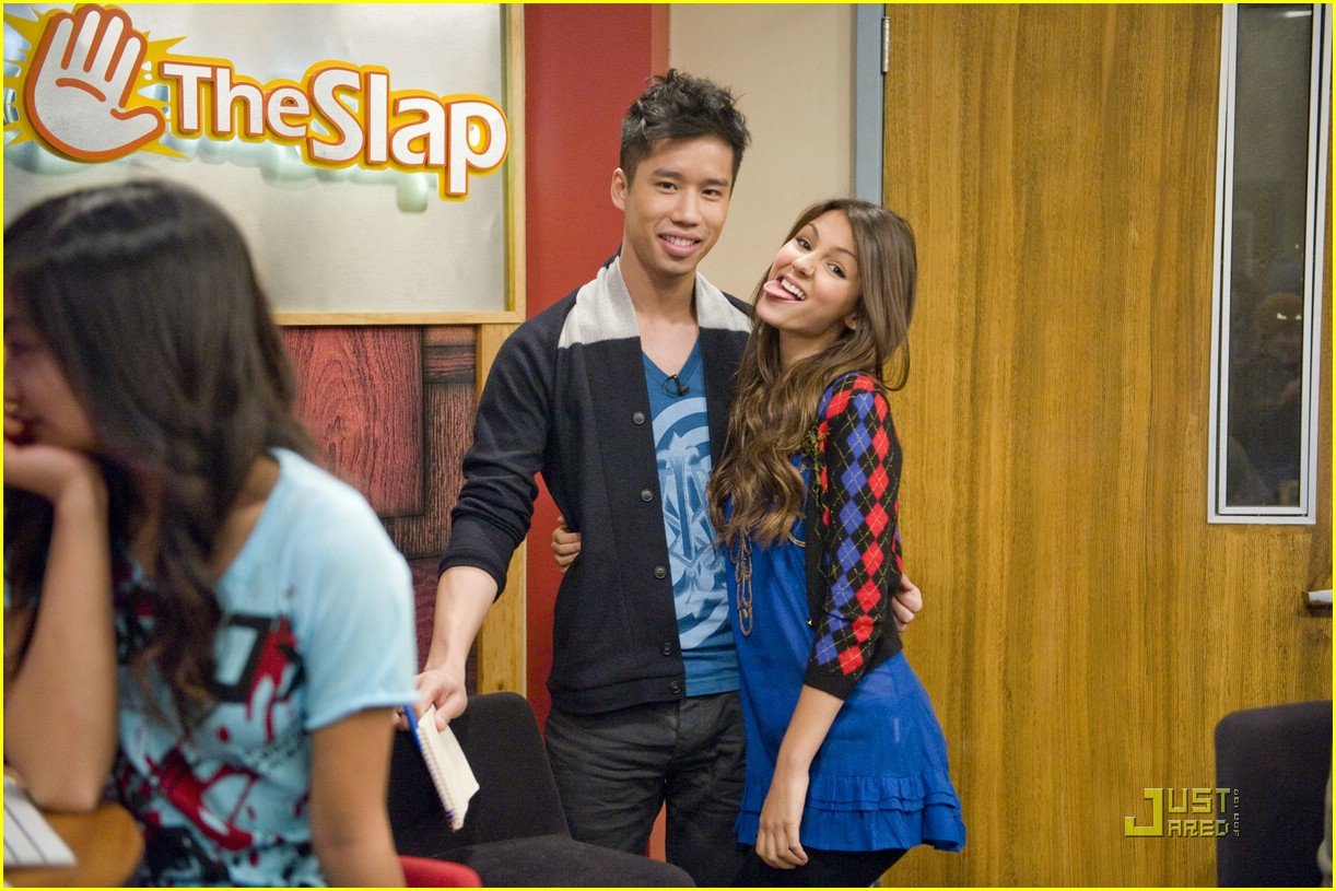 justjared guest victorious 12