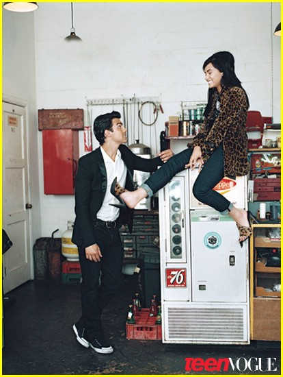 joe jonas demi lovato teen vogue 06