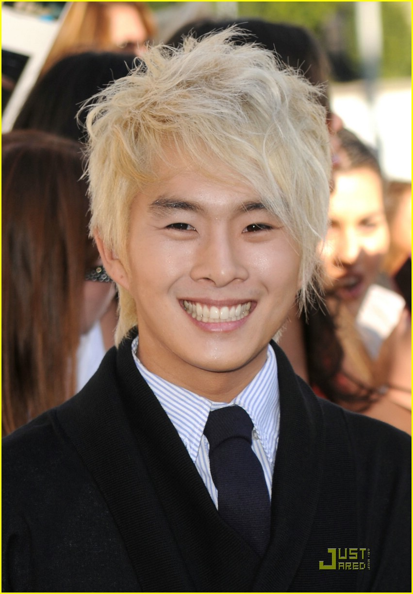 justin chon christian serratos eclipse 02