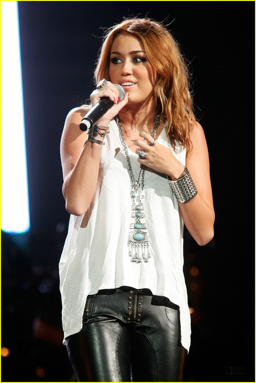 miley cyrus nashville rising 03