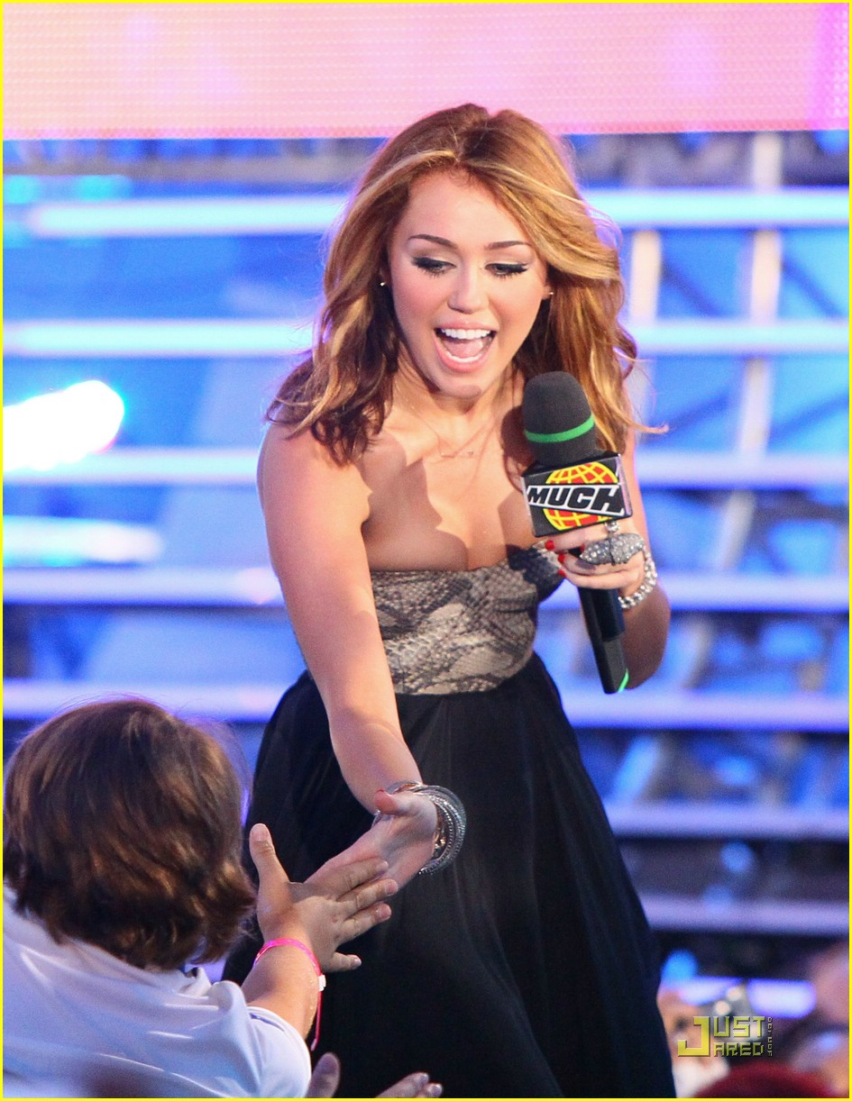 miley cyrus mmva tamed 06