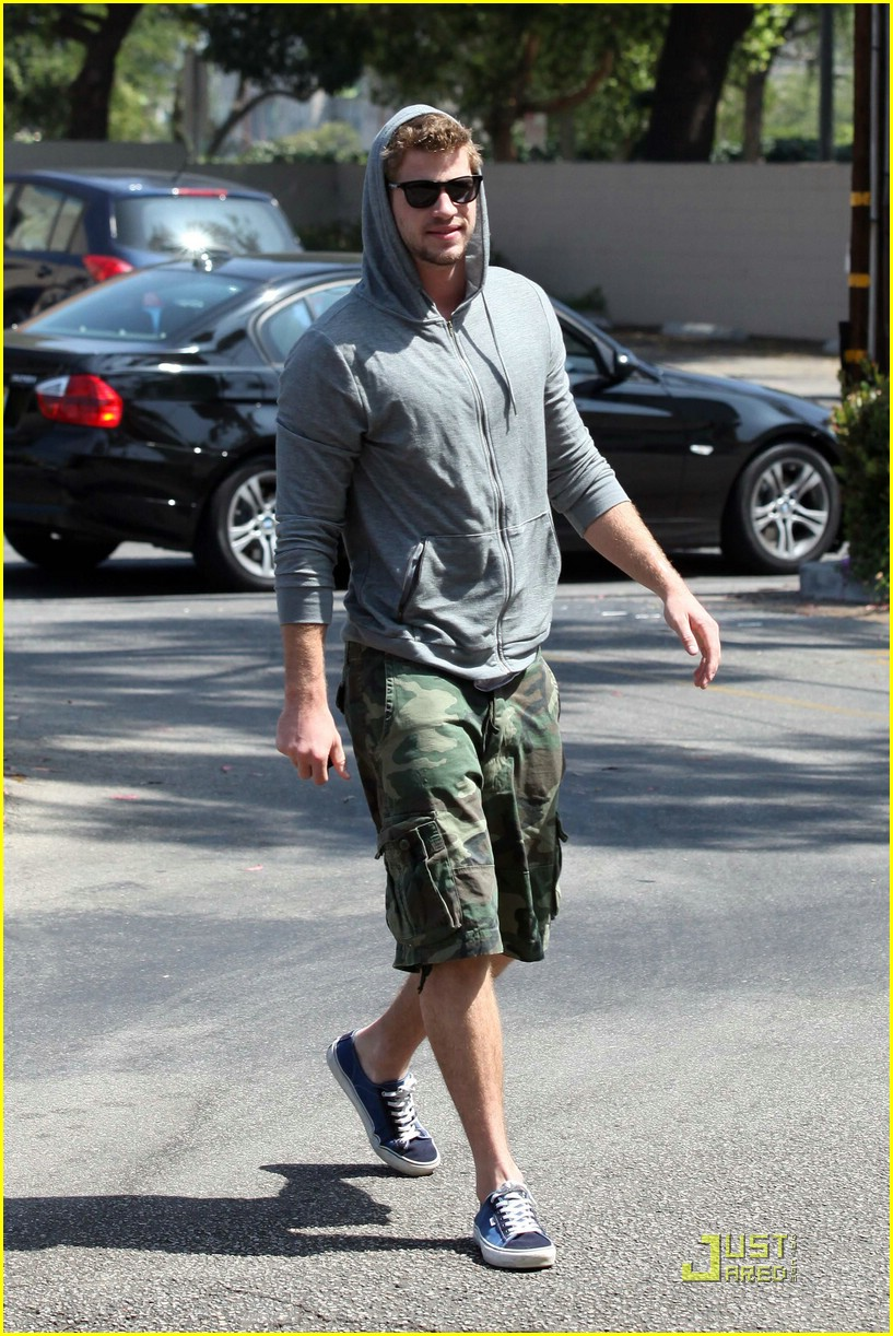 miley cyrus liam hemsworth togos 10