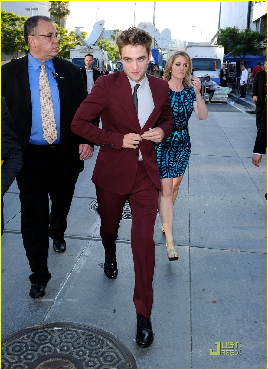 robert pattinson eclipse premiere 04