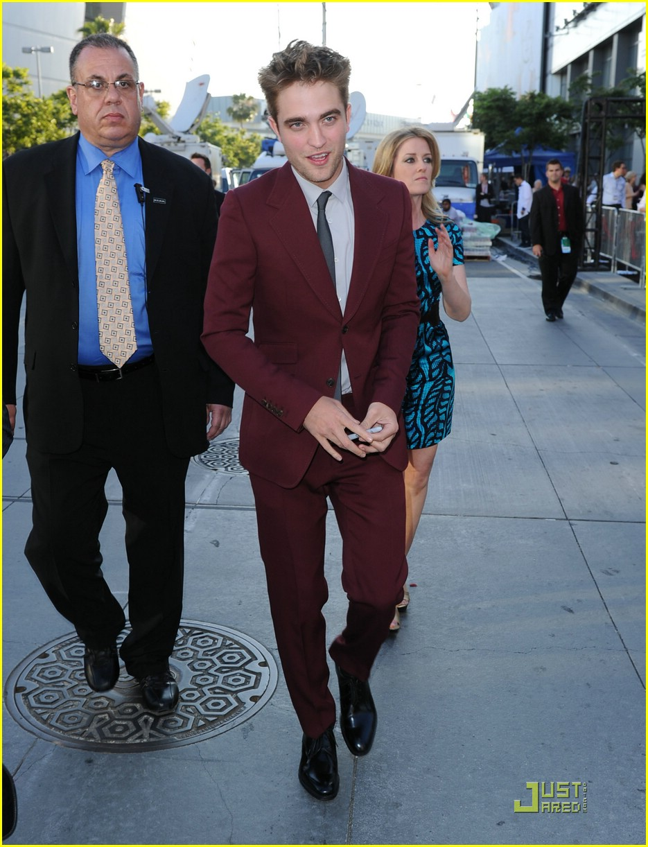 robert pattinson eclipse premiere 06