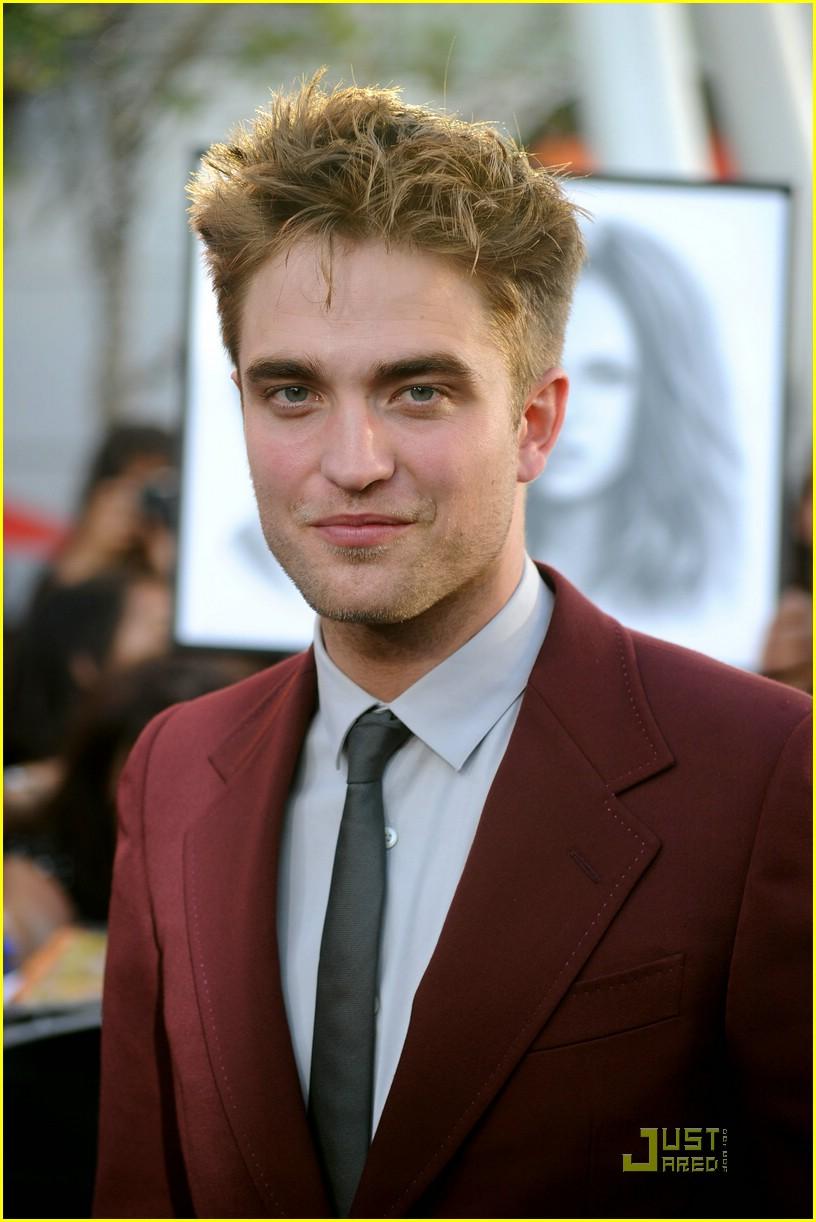Sized Photo of robert pattinson eclipse premiere 09 | Robert Pattinson ...