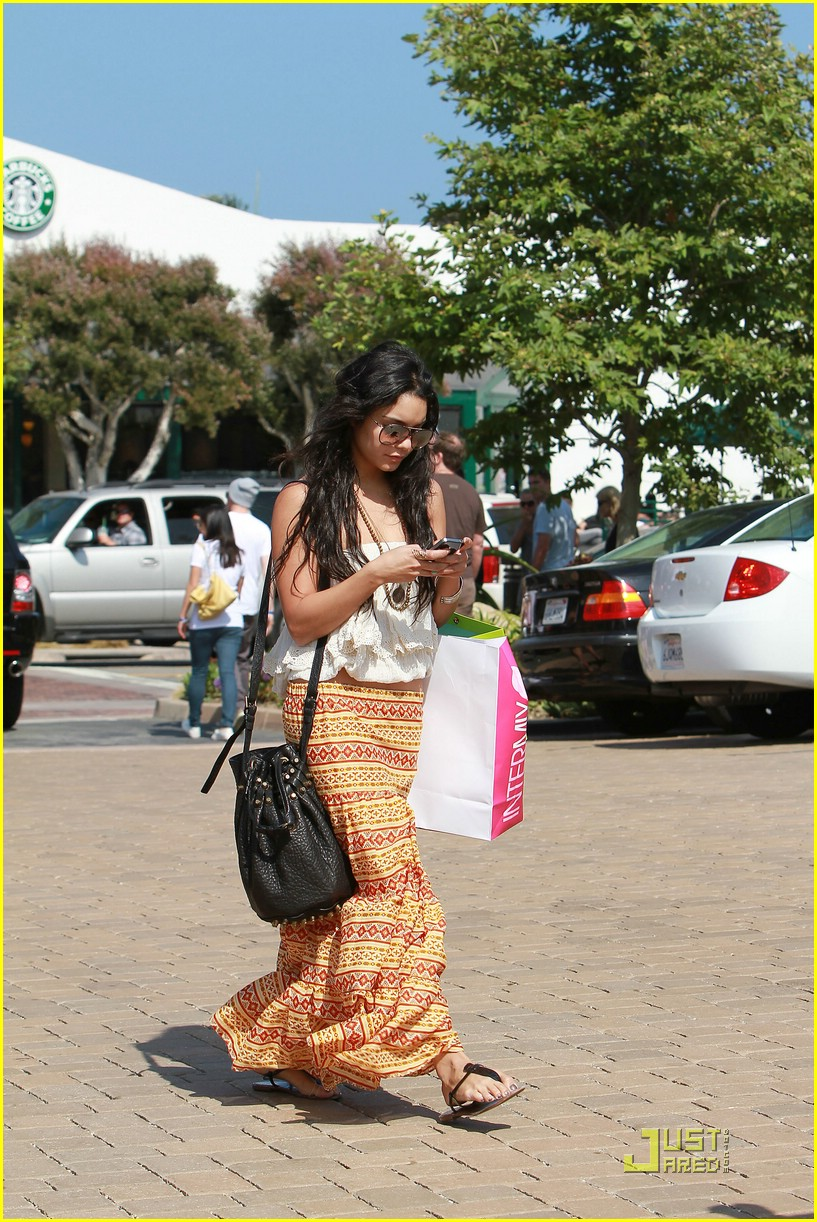 vanessa hudgens cross creek 10
