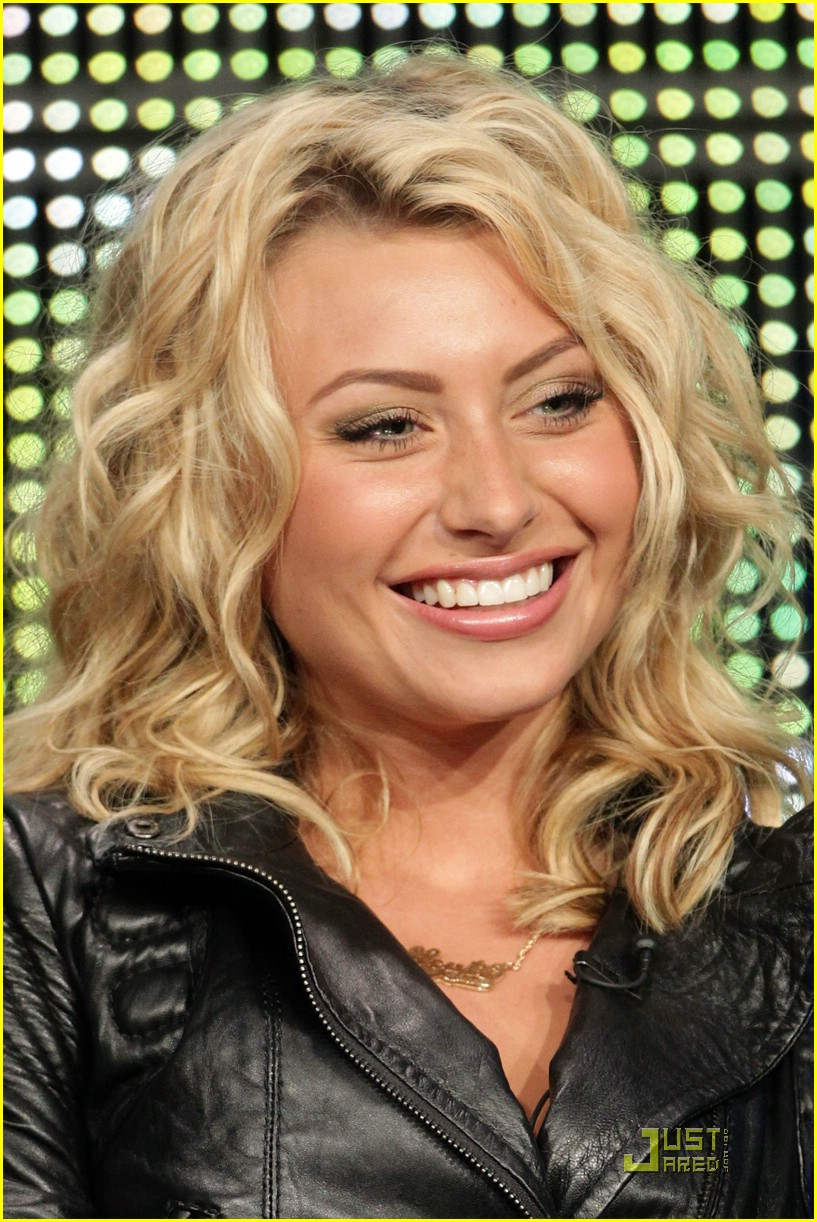 ashley tisdale aly michalka tca 02